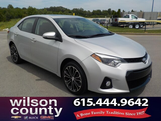 Pre-Owned 2016 Toyota Corolla Moonroof, Leather, Alloys